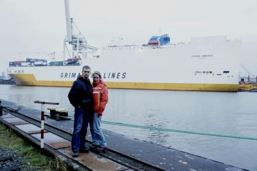 Port w Hamburgu. W tle - Grande Amburgo - nasz dom na najbliższe 4 tygodnie.