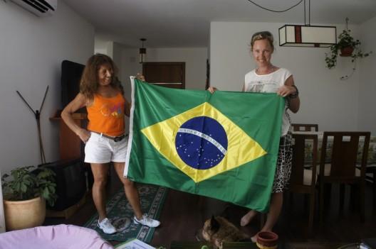 Cleusa jest fanką brazylijskiego futbolu.