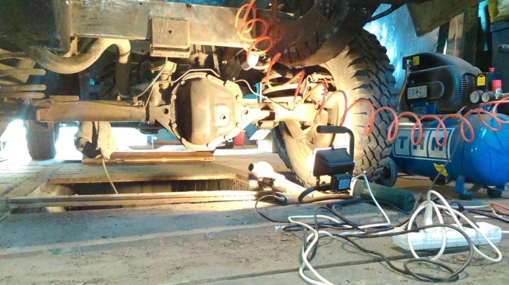 Czyszczenie ramy i zbiornika paliwa